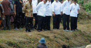 Presiden Jokowi Tinjau Program Padat Karya Banyuasin