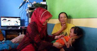 Ketua PKK Muratara Kunjungi Ibu yang Menderita Penyakit Hati